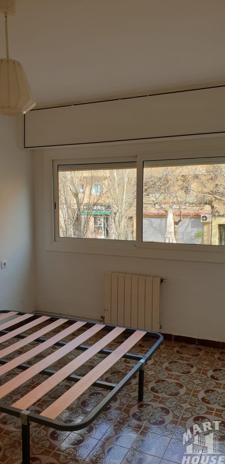 Piso de 3 Habitaciones Balcon y Ascensor